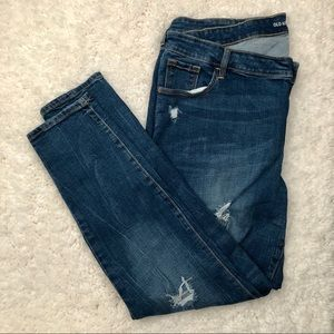 EUC Old Navy Mid Rise Distressed Jeans [Size: 18]